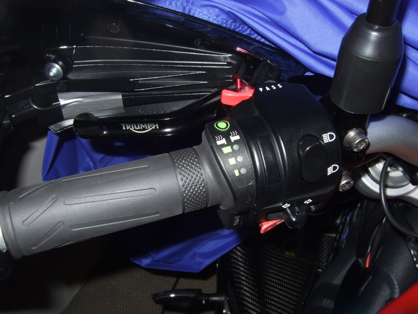 street triple seat cowl fitting instructions